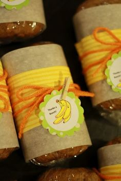 Cool Bake Sale Idea: Banana Bread Mini Loafs! I love Banana Bread!!!
