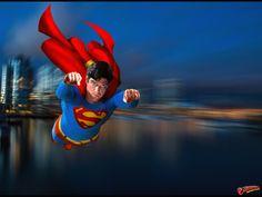 Superman - Christopher Reeve - flying above Metropolis and ocean Real Superman, Superman Artwork, Superman Movies, Superman Man Of Steel, Batman Vs Superman, Superman Stuff, Superman Wallpaper, Spiderman, Superman Pictures