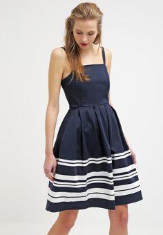Ein tolles Kleid, das du lieben wirst. mint&berry Freizeitkleid - dark blue/white für € 59,95 (09.03.16) versandkostenfrei bei Zalando.at bestellen.