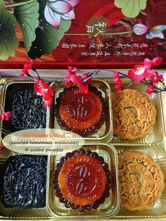 Cuisine Paradise | Singapore Food Blog | Recipes, Reviews And Travel: [recipes] Homemade Mooncake Part I - Traditional vs Snow Skin Mooncake  - Bamboo Charcoal Mooncake, Traditional Mooncake and Gula Melaka Jelly Mooncake