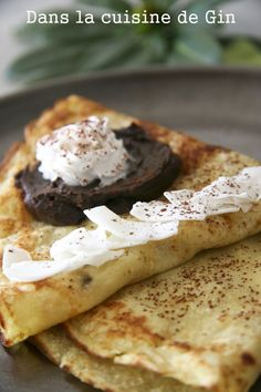 Et sa pâte à tartiner au chocolat noir         On continue notre périple au pays de la crêpe ( je vous rappelle que demain c'est la Chandel...
