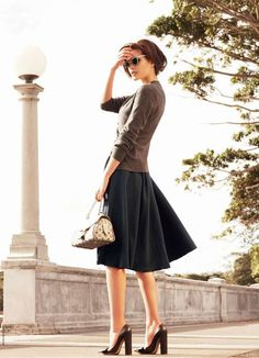 I love this whole outfit, but I'm particularly enamored with the skirt.
