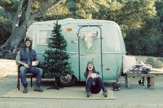 Christmas camping. | Vintage campers