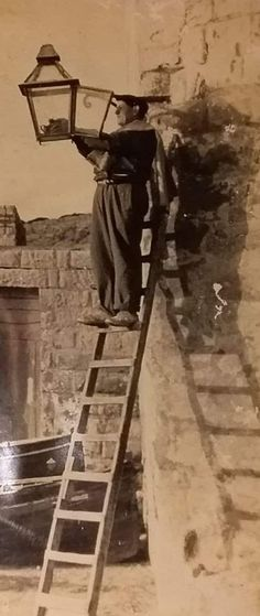 Reno Muscat the Qrendi Street Lamp Lighter seen at work in Wied iz-Zurrieq, Qrendi, Malta. He ensured lamps were lit every evening. Old Pictures, Old Photos, Vintage Photos, Maltese People, Malta History, Malta Island, Muscat, Little Island, Street Lamp