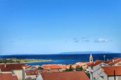 Novalja über den Dächern #Zrce #Novalja #Pag #Kroatien #Croatia #Adria #Island #Beach #Sun #Happy #Clubbing #Party http://zrce.eu