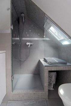 Check Out 43 Useful Attic Bathroom Design Ideas. Attic spaces are considered to be difficult to decorate due to the roofs of various shapes. Attic Shower, Small Attic Bathroom, Loft Bathroom, Upstairs Bathrooms, Loft Ensuite, Shower Seat, Shower Bathroom, Sloped Ceiling Bathroom, Bathroom Ceilings