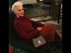 Women Over 50 Look's Collection. The Most Interesting Looks of Fashionable Woman Maye Musk Maye Musk (née Haldeman; born April 19, 1948) is a Canadian-South African model and dietitian. Also the mother of Elon Musk, Kimbal Musk, and Tosca Musk, she has been a model for 50 years appearing on the covers of magazines including Time. #annasakhno, #womenover50, #ageless #womensfashion