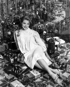 Shirley Jones, 1956      Santa Jagger Claus  https://www.pinterest.com/pin/160370436708999365/