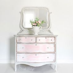 Coral Furniture, Grey Painted Furniture, Painted Dressers, Upcycled Furniture, Furniture Projects, Furniture Makeover, Vintage Furniture, Narrow Dresser, Wood Dresser