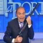 Incredibile, Vespa con il fucile... spara cazzate
