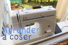 En este primer vídeo para aprender a coser conoceremos los elementos que forman parte de una máquina de coser automática.