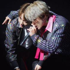 Together..🎤🎶 ✨🐰💙🐥💫🐾 . . . #jikook #kookmin #jungkook #jimin #bts #jikookchimchu Foto Jungkook, Bts Bangtan Boy, Bts Boys, Bts Jimin, Jungkook Fanart, Jikook, Namjin, K Pop, Hoseok