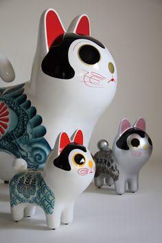 「犬張り子 [ バーガー&髑髏 ] [ 菊花髑髏 ] [ 折紙兜 ]」/ ''Inu Hariko [ Hamburger  Dokuro ] [ Kikka Dokuro ] [ Origami Kabuto ]'', 2008, FRP based sculpture