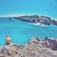 L- Lokasi : Blue Lagoon Cliff Jump, Nusa Ceningan, Bali , Indonesia Ig partner Bali Places To Visit, Lembongan Island, Bali Restaurant, Nusa Ceningan, Bali Travel Guide, Beautiful Places To Travel, Blue Lagoon, Ubud, Holiday Travel