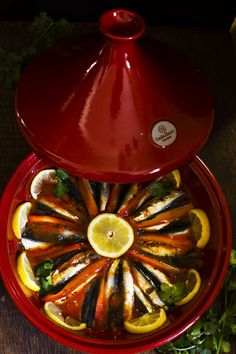 Tajine de boquerones | Claudia&Julia Couscous, Cocina Natural, Fish And Seafood, International Recipes, Wok, Watermelon, Appetizers, Dinner, Gastronomia