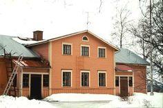 Alahovin kartano - Alahovi manor in Kangasniemi (more exactly in Kutemajärvi village). Private house.