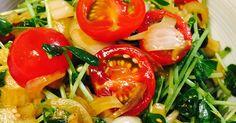 トマトと豆苗のシャキシャキサラダ by ゆみみだるま [クックパッド] 簡単おいしいみんなのレシピが240万品
