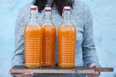 Pasteryzowany sok z dyni, jabłek i gruszek - Cooking for Emily Beverages, Drinks, Going Vegan, Drink Bottles, Preserves, Health Fitness, Pumpkin, Homemade, Cooking