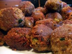 How to Make Lentil 'Meat' Balls - uses flaxseed and a binder so they are vegan