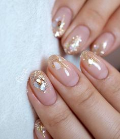 First steps with innovative nail art designs - # aesthetic .- Erste Schritte mit innovativen Nail Art Designs – – Today Pin Wedding nails nail design – ideas for the fashion-conscious bride – page 76 of 100 - Minimalist Nails, Minimalist Living, Bride Nails, Wedding Nails, Wedding Makeup, Glitter Wedding, Short Nail Designs, Nail Art Designs, Nails Design