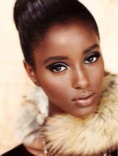 Somente um Doce Sorriso: Maquiagem para Morenas e Negras