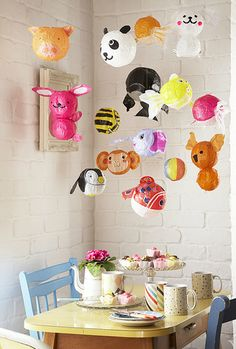 I've just found Set Of 10 Japanese Paper Balloons. Both adults and children love these paper balloons. Play catch, pop them in party bags or create a mobile for a child's room. Paper Animals, Balloon Animals, Animal Balloons, Japanese Paper, Paper Balloon, Deco Kids, Party Time, Party Party, Kids Room