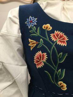 Norwegian Vikings, Sewing Crafts, Brooch, Embroidery, Manga, Flowers, Fashion, Moda, Needlepoint