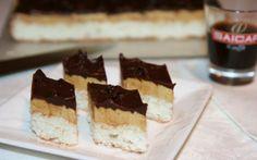 Retete Culinare - Prajitura cu bezea de cocos si cafea