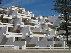 Study Architecture, Architecture Awards, School Architecture, Modernist Movement, Townhouse, Madrid, Multi Story Building, Condos, Houses