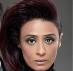 Achint kaur is wearing amazing jewel tone in her hair.