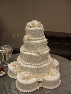 Beautiful wedding cake.
