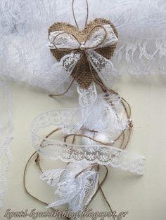 Προσκλητήρια - Μπομπονιέρες Γάμου Βάπτισης: Μπομπονιέρες Γάμου Καρδούλες Κρεμαστές! Knitted Heart, Decoupage, Burlap Flowers, Fondant, Wedding Invitations, Wedding Decorations, Wedding Day, Marriage, Diy