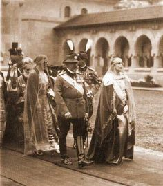 Queen Marie of Romania Romanian Royal Family, Royal House, Queen Mary, Kaiser, Ferdinand, Queen Victoria, Edinburgh, Marie, Beautiful