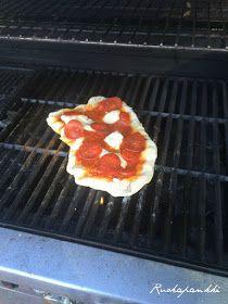 Ruokapankki: Grillipizza, ihan parasta, sitä ei usko ennen kuin maistaa! Griddle Pan, Food And Drink, Pizza, Grill Pan