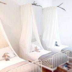 """""""Una habitación para soñar de los trillizos más monos del mundo mundial!!! #almohadas #mantas y #ropadecama de @belandsoph !!! No me digáis que no es…"""""""