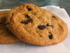 How to make chocolate chip cookies on a stove top instead of an oven! Perfect for dorms! :)