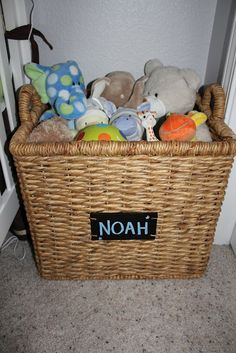 cute and safe toy box idea!