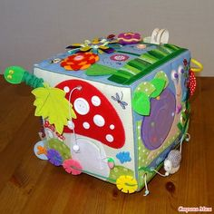 The world's catalog of creative ideas Handmade Baby, Handmade Toys, Felt Crafts, Diy And Crafts, Montessori Baby Toys, Activity Cube, Cube Toy, Crafts For Seniors, Felt Quiet Books