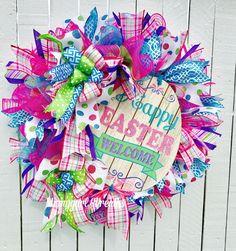 26 Ideas Front Door Wreaths Mesh Easter Bunny For 2019 Easter Wreaths, Holiday Wreaths, Holiday Crafts, Holiday Decor, Deco Mesh Wreaths, Door Wreaths, Happy Easter, Easter Bunny, Easter Crafts
