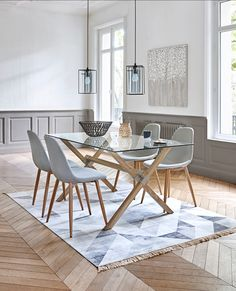 Scandinavian dining room BUT Plus Source by desmettrecaroli White Round Dining Table, Glass Dining Room Table, Small Dining, Dining Room Design, 4 Chair Dining Table, Dinner Room, Kitchen Decor, Sweet Home, Interior Design