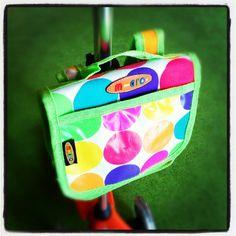 Śliczny plecak montowany na drążku hulajnogi Mini Micro lub Maxi Micro.