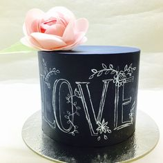 Chalkboardcake.. Waferpaperflower.  She Bee Cake&Cookie  She Bee Pasta&Kurabiye