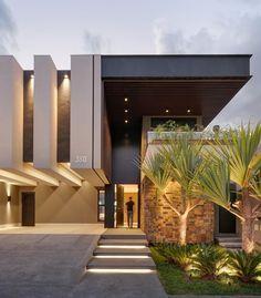 Best Modern House Design, Modern Villa Design, Modern Exterior House Designs, House Front Design, Dream House Exterior, Exterior Design, Modern House Facades, Modern Architecture House, Facade Architecture
