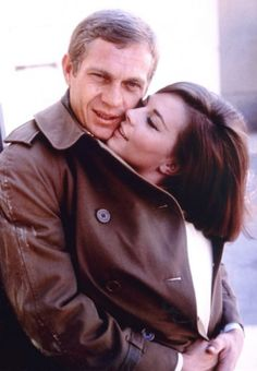 Steve McQueen and Natalie Wood. Of all his wives, all pictures with Natalie Wood simply show true happiness from each of them. May the both rest in Peace. Hollywood Couples, Hollywood Icons, Golden Age Of Hollywood, Vintage Hollywood, Hollywood Stars, Classic Hollywood, Hollywood Actresses, Steven Mcqueen, Natalie Wood