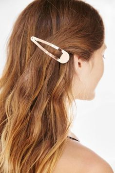 Oversized Flip Hair Clip - Urban Outfitters