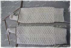 Suvikumpu: Nappivarsisukat - ohje Knitting, Accessories, Sock Knitting, Tricot, Stricken, Knitwear, Crocheting, Weaving, Crochet