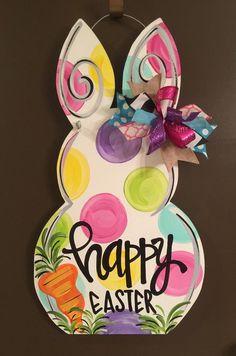 Easter Bunny Door Hanger How to Pick Classic Home Designs for Interior? Wooden Crafts, Wooden Diy, Diy Crafts, Easter Crafts, Holiday Crafts, Easter Decor, Bunny Painting, Wooden Rabbit, Wooden Door Hangers