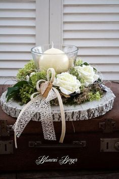 Here are the 20 Christmas centerpieces, which you liked best - Weihnachten Christmas Centerpieces, Xmas Decorations, Wedding Decorations, Christmas Time, Christmas Wreaths, Christmas Crafts, Deco Table Noel, Deco Rose, Deco Floral