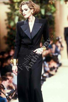 Le Smoking, Trophy Wife, Ysl, Palazzo, Vintage Antiques, Yves Saint Laurent, Retro Vintage, Blazers, Suit Jacket