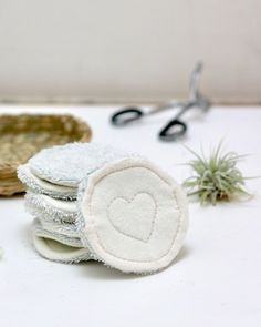 These DIY reusable makeup remover pads are easy to make and great for going zero waste. Break your addiction to cotton balls with these and remove your makeup with ease!